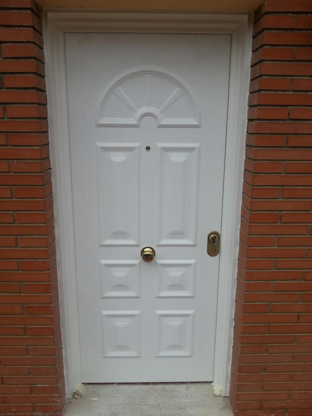 Puertas de entrada de aluminio baratas interesting for Puertas entrada baratas