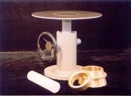 Mesa de sacudidas con plato de ac. inox.