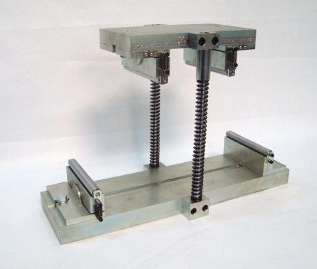 Dispositivo de flexotracción de cuatro puntos.