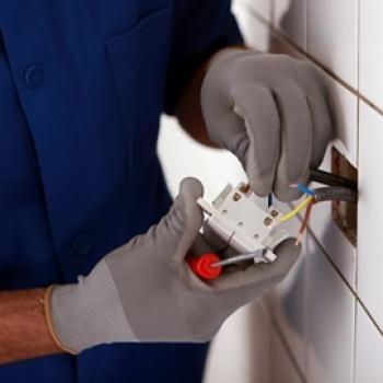 Reparación de daños eléctricos