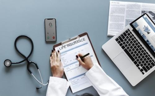 ¿QUÉ CUBREN LOS SEGUROS MÉDICOS EN CASO DE QUE SE DIAGNOSTIQUE UN CANCER?
