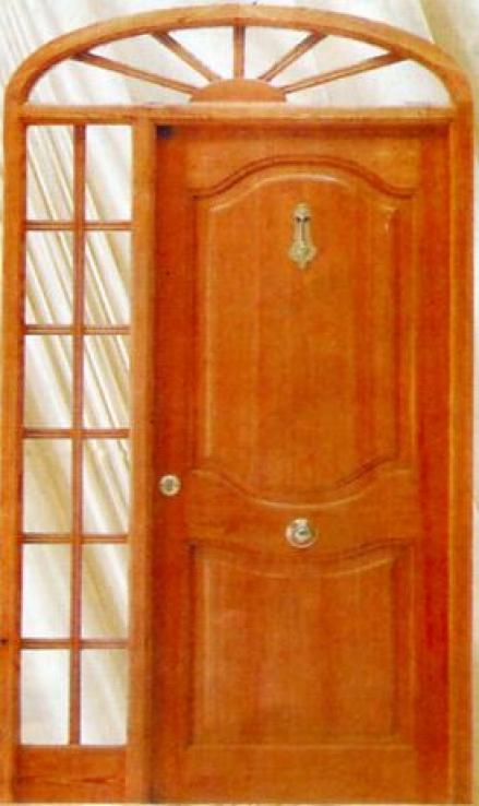 Puerta de exterior de madera maciza rivas almacenes for Puerta de madera exterior usada