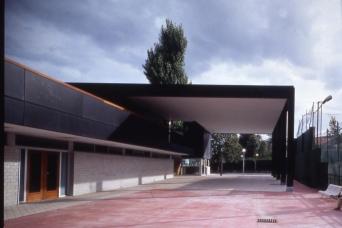 JOLASETA DEPORTIVO. Construido 1995
