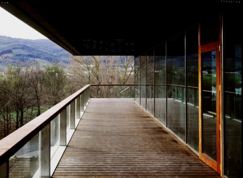 Construido 2003. (Ver Proyectos)