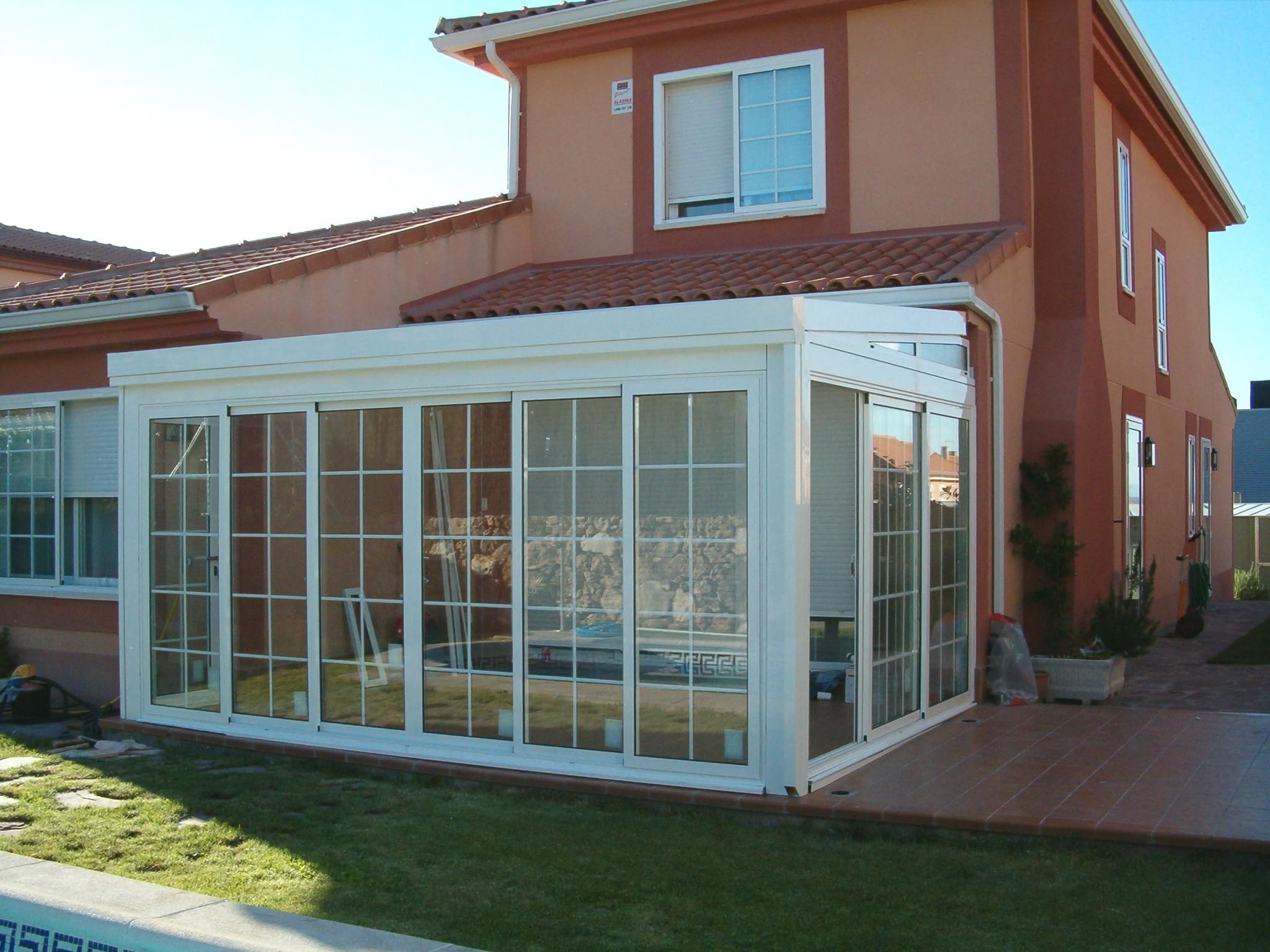 Galer a aluminios y persianas ra l fabricante de ventanas for Techos de policarbonato para exteriores