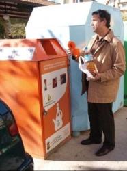 San Vicente evita el vertido de 9.800 litros de aceite doméstico usado con la instalación de 17 contenedores de recogida en las calles