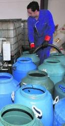La Xunta paraliza la actividad de cuatro empresas por la trama del aceite usado