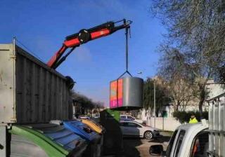 Puerto Real inicia la retirada de los contenedores de aceite usado.
