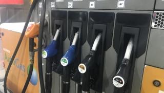 Guía básica para saber qué combustible tienes que repostar a partir de hoy.