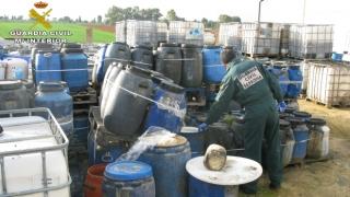 Los agentes localizaron una nave en la que se almacenaban los residuos para luego realizar el vertido.