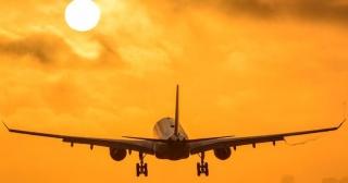 Repsol produce en su planta de Puertollano el primer biocombustible para aviones en España.