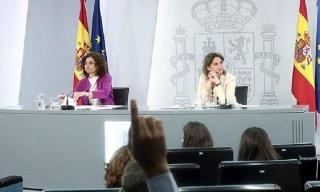 María Jesús Montero, ministra de Hacienda, y Teresa Ribera, vicepresidenta cuarta del Gobierno.