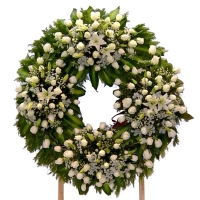 WHITE ROSES WREATH