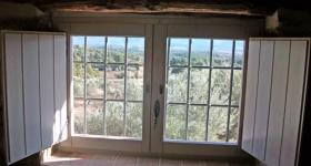 Ventana con porticon interior