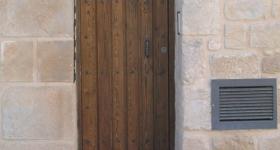 puertas exteriores de madera maciza