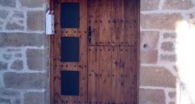 Puerta plafonada de dos hojas
