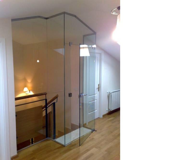 Escaleras para buhardilla top por qu elegir un pasamanos de madera para tus escaleras with - Escalera para buhardilla ...