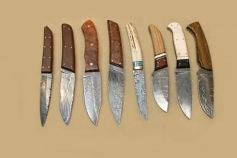 Cuchillos Forjados en Acero de Damasco I