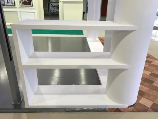 Muestra estanteria hecha con escayola