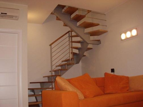 Escalera de viga central Modelo Monotrave