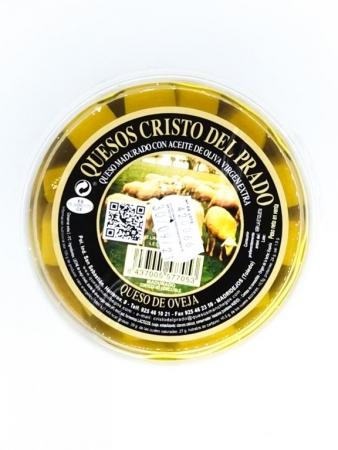 Queso de oveja madurado con aceite de oliva virgen extra.