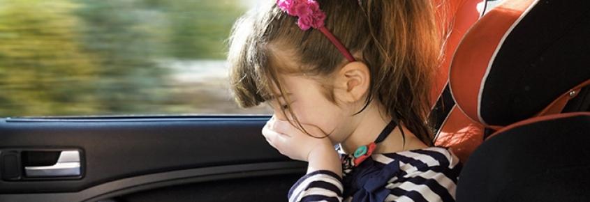 6 consejos para aliviar los mareos en el coche