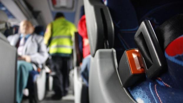 ¿Utiliza el cinturón de seguridad cuando viaja en autobús?