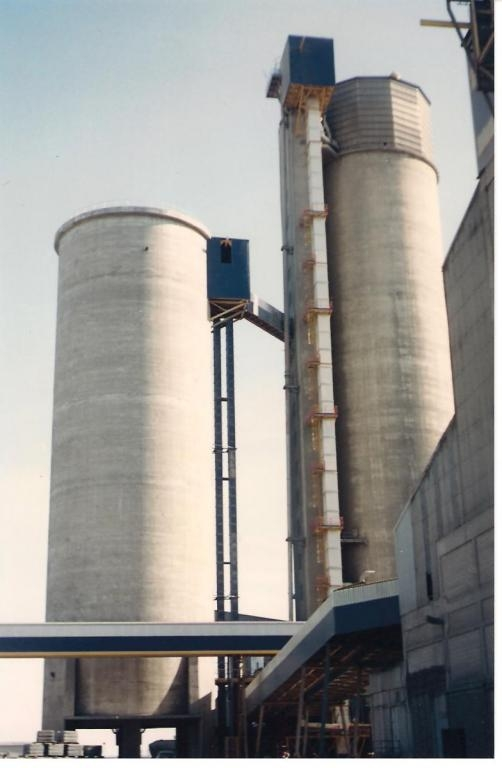 Belt elevator to cement silos
