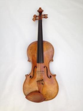 Nº 11. Violín del taller de Música y cuerda