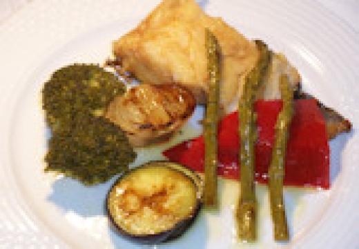 Bacalao confitado con verduras a la plancha