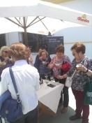 La asociación de amas de Casa y de Consumidores de Granada visita el Centro de Manipulación de Espárrago de Huétor Tájar