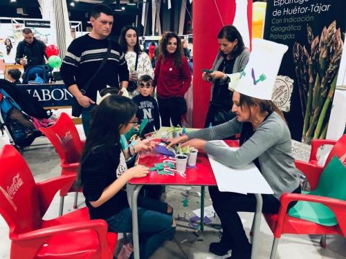 La IGP Espárrago de Huétor Tájar de nuevo presente en la feria de la Infancia y la Juventud celebrada en Armilla