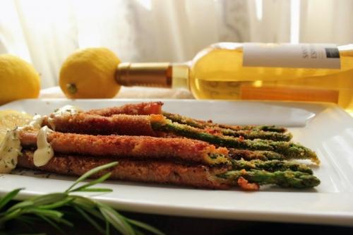 Blogueros gastronómicos se unen a la promoción del espárrago de la IGP Huétor Tájar