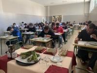El Consejo Regulador de la IGP Espárrago de Huétor Tájar se cuela en la cocina con los alumnos de cocina y restauración Virgen de la Caridad (Loja)