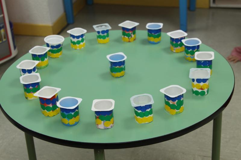 Envases de yogures, un material reciclado para educar - Centro de ...