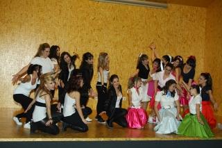 CONVIVENCIA EN EL I.E.A: Musical, teatro, maquillaje, salud, comunicación y diversión, para el acercamiento entre los alumno/as