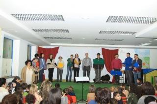 Entrañable encuentro de la comunidad educativa a las puertas de la Navidad