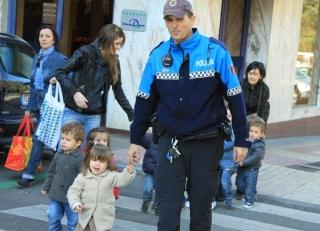 Conocer el barrio de la mano de la Policía Urbana