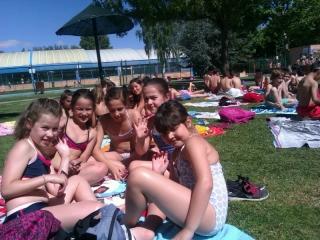 Los alumnos del Campus estrenan la piscina