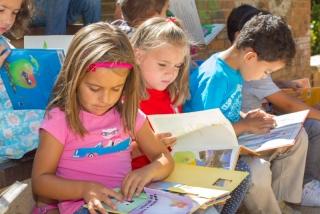 Agosto brilla con Libros al Sol: escuchar e interpretar un cuento