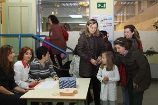 La Comunidad Educativa del colegio El Globo Rojo elige a sus representantes