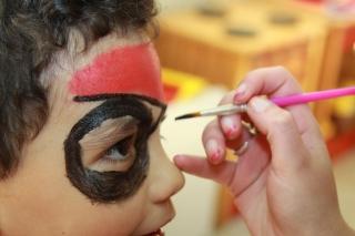 Flores de Bach y Maquillaje Infantil en el cuarto día de GloboFiesta