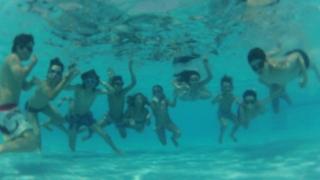 El agua, complemento de diversión y disfrute para los Chicos del Campus