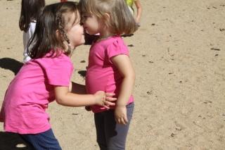 Disfrutar en el parque con los amigos