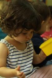 Los niños de primer ciclo, hasta 3 años, se estimulan y disfrutan con las actividades en el aula