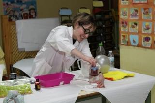 Los alumnos de El Globo Rojo aprenden ciencia jugando