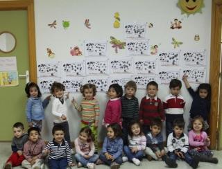 Los alumnos de El Globo Rojo ensayan distintas técnicas de estampado