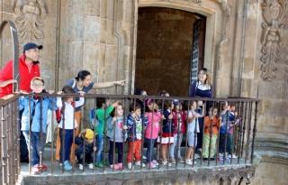 Los alumnos del Campus contemplan unas vistas espectaculares desde las Torres de la Clerecía