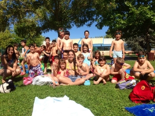 Contra viento y marea, piscina cubierta para los niños del Campus