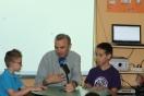La radio del Campus: los niños se enfrentan al micrófono en el taller de comunicación